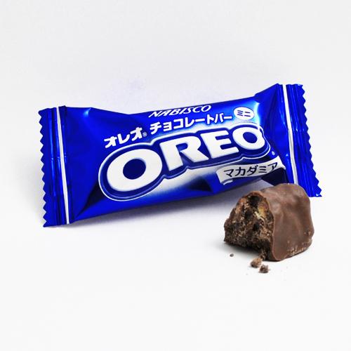 Oreo Bar: Macadamia Nut